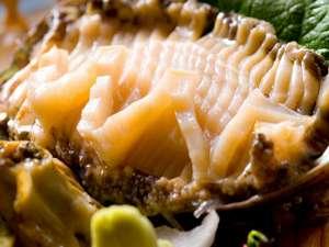 北陸 あわら温泉 美松:[活あわび] 人気の高級食材♪踊焼き・姿造り食べ方色々!