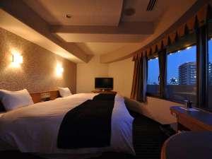 アパホテル<大阪天満>:【客室】角部屋ムーンライトツインルーム*24平米・ベッド2台(120cm×195cm)