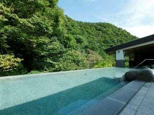 箱根湯本温泉 天成園:◆屋上天空大露天風呂◆(女性6F/男性7F)