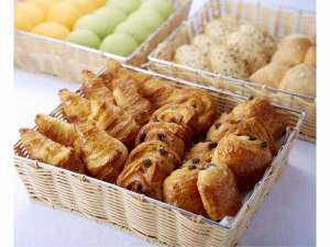 ホテルモントレ大阪:パンの種類も豊富にご用意。