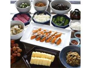 ホテルモントレ大阪:朝ご飯に和食派の方も満足の品揃え。