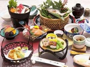 季節の食材を取り入れた個人会席