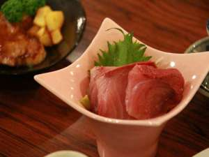 ロッヂ キクノヤ:平成27年2月8日の夕食佐渡の寒ブリ