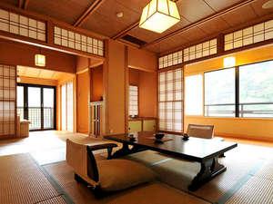 源泉露天の宿 鹿覗キセキノ湯 つるや:*<和邸 山王院「鶴」> 二間続きの広々としたお部屋で、優雅な滞在を。