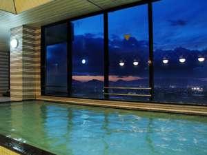 アパホテル<高松空港>:大浴殿からの夜景(男子)