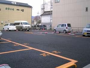 ◆近隣の提携駐車場◆徒歩5分程の場所にございます。