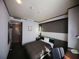 ◆シングルルーム◆15~17㎡ ベッド幅140cm×210cm(ダブルベッド)
