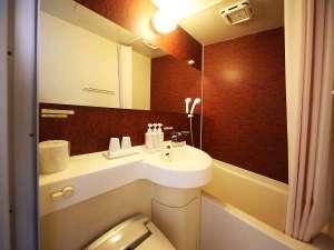 ◆ユニットバス◆木目調のお洒落なバスルームです☆彡サーモ式蛇口で温度調節も簡単♪