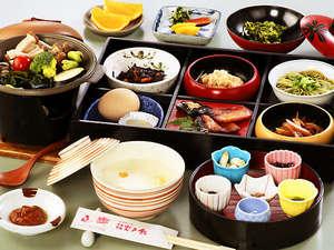 岩戸館:自家製の塩『岩戸の塩』を使用した栄養満点で身体に優しい朝食は、大変ご好評いただいております。