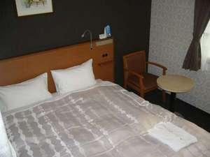 ホテルマークワンCNT:【2012年11月改装】 ゆったり広々クィーンサイズのベット。カップル・夫婦に最適!ダブルルーム♪