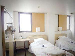 ビジネスホテル秀山荘:*【客室例】ツインルーム。カップルやご夫婦にもおすすめ。