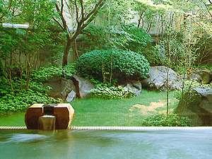 【1階 大浴場】1週間毎に男女が入れ替わり、露天風呂、サウナ、打たせ湯があります。