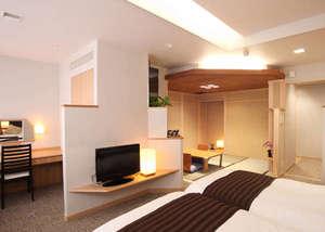 【和モダン客室】じゃらんお部屋評価「4.7」☆ツインベットに寛ぎ空間は畳スペース(一例)
