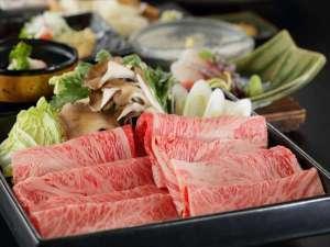 横手駅前温泉 ホテルプラザ迎賓:【2017年夏季】ご当地ブランド「横手黒毛和牛」のすき焼きは、口の中でとろける美味しさ