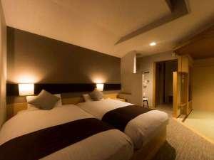 横手温泉 ホテルプラザ迎賓:【和モダン客室】36平米ある空間。靴を脱いで上がると、ほぼフラットな床(一例)