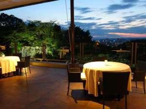 岡山国際ホテル:夕暮れのテラス