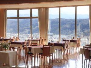 バイキングが人気☆ナチュラルファームシティ農園ホテル:【展望レストラン】☆大瑠璃☆開放感バツグンです!
