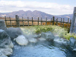 3つの貸切風呂と露天付き客室が人気の宿 旅館さくらい:露天風呂(男性用)小さいけれど上州の山々が望める