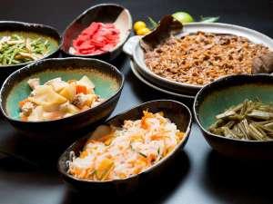 【朝食ブッフェ】岐阜のブランド豚を使用した「美濃健豚の肉じゃが」など大垣ならではの朝食ブッフェ