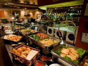 スマイルホテル仙台国分町:【朝食】和洋朝食バイキング 朝食会場風景