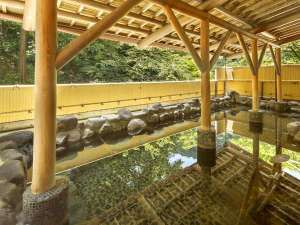 箱根湯本ホテル:女性露天風呂。緑に囲まれた露天風呂でゆ~っくりお寛ぎくださいね。