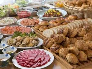 箱根湯本ホテル:朝食は、バイキング形式なので好きなものを好きなだけお召し上がりくださいませ♪
