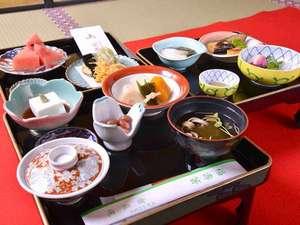 密厳院:*精進料理/お肉、お魚を使わない仏教の伝統的な食事。体に優しい高野山産の食材を使用しています。