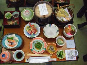 史跡の里交流プラザ柵の湯:地元・秋田の食材をふんだんに使った会席料理をお楽しみ下さい。