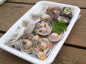 貸切ログハウスロッキー:伊勢志摩の魚介類が楽しめるBBQセットです。