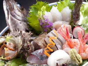 和倉温泉 加賀屋:いきいき地魚7種盛り