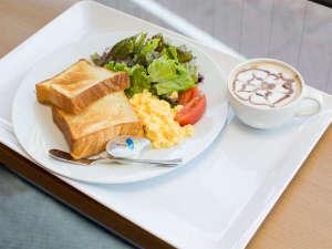 岡山スクエアホテル:■2017年10月リニューアル■ 新朝食メニューの日替わりパン!選べるドリンク付き