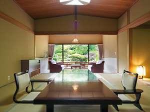 【 日本庭園側 】特別室(本間11帖+次の間+広縁)