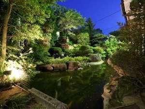 【夜の庭園】静寂に包まれた自分の時間をお過ごしください。