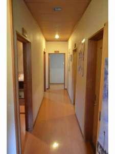 金沢湯涌ゲストハウス:個室前廊下。A corridor.
