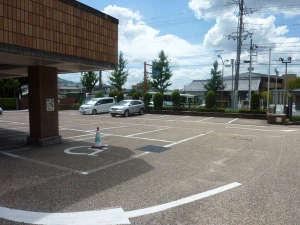 アピカルイン京都:▼駐車スペース50台 無料でご利用いただけます