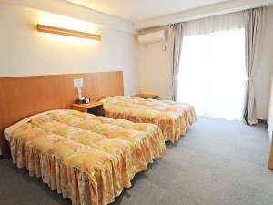 オーシャンビューカマンタ<石垣島>:【ツインルーム】シンプルなお部屋は長期の滞在にも