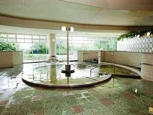 かんぽの宿 酒田:様々な種類の浴槽がお楽しみいただける大浴場
