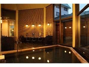 ホテルオークフォレスト:温泉大浴場(夜景)