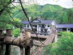 湯西川温泉 本家伴久 平家伝承かずら橋の宿の写真