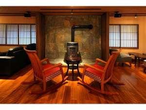 草津温泉 湯畑の宿 佳乃や(よしのや):寒い日は、ペレットストーブが活躍します。