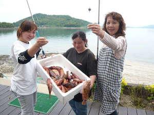 魚釣り1セット千円で釣り道具貸し出ししております!