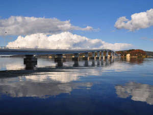 源泉かけ流し舟盛の旨い宿 和倉温泉はまづる:「能登島大橋」。はまづるから能登島水族館に行くときはこの橋を通ります。橋の上からの眺めは最高です♪