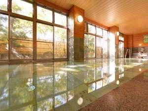 【大浴場】大浴場の広々とした空間は大型旅館ならでは!どうぞ足も羽も伸ばして寛いでください