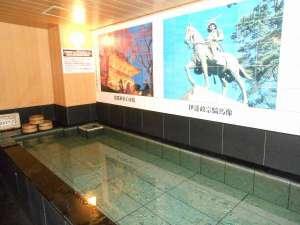 ホテルクラウンヒルズ仙台青葉通り:いよいよ、スタートです備長炭のお風呂です、本物の備長炭を浴槽に投入!様々な効能をご堪能くださいませ☆