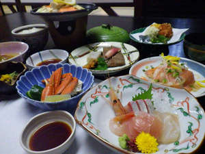五感リゾート牛岳「ささみね」:*ご夕食は海の幸、山の幸を使った料理をご用意いたします