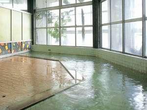 加登屋旅館:全国的にも珍しい、ぬるっとした温泉ですが、湯上りは不思議にさっぱり。是非ご体験下さい。