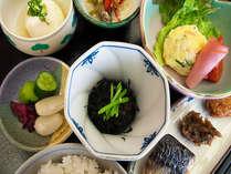 【5つの家族湯】朝食和膳付いてます!素泊まりプラン22:00までチェックインOK!のイメージ画像