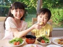 【小学生以下お食事無料】お子様連れ大歓迎!!家族で楽しめるバイキング☆彡