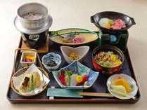 【2食付き】ご夕食はお気軽に♪一人旅や女子旅にもどうぞ!