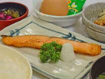 【朝食付】ダンディ自慢のボリューム満点朝食プラン♪